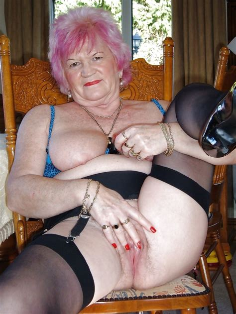 grannies showing pussy jpg 1280x1705